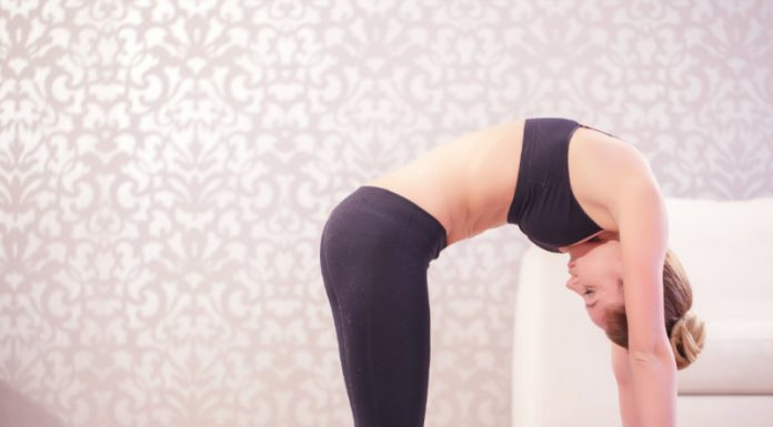 Cat Pose (Marjariasana) | Keep Your Abs Toned and Your Shoulders Strong