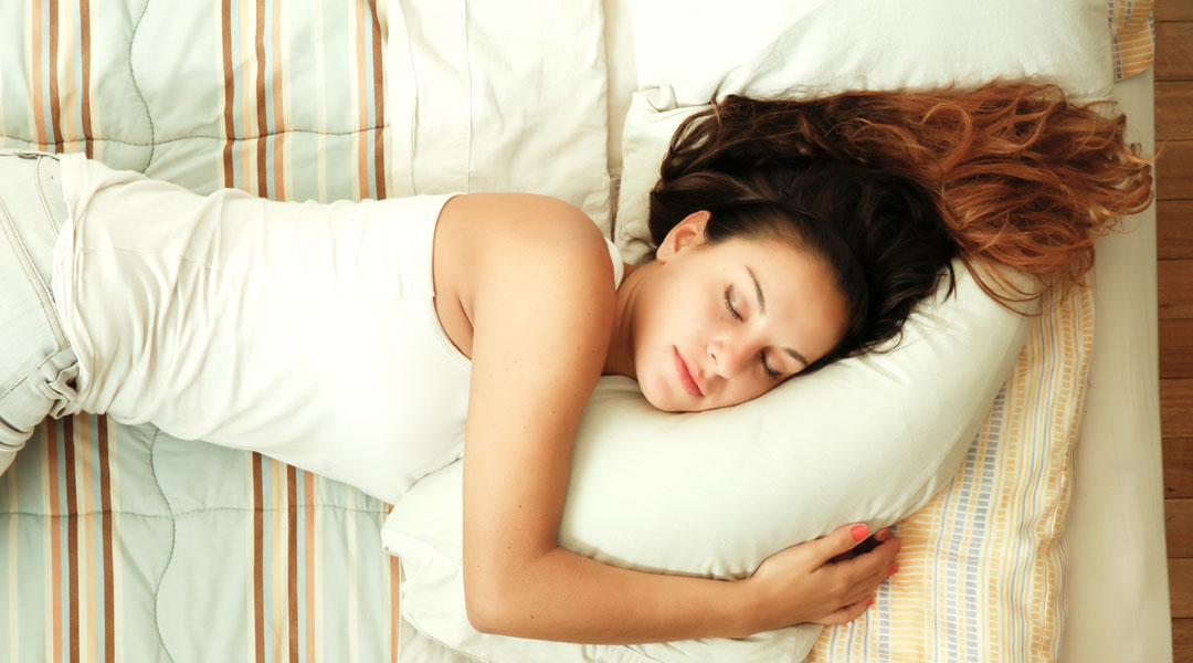 Can-Sleeping-On-Your-Side-Cause-Wrinkles