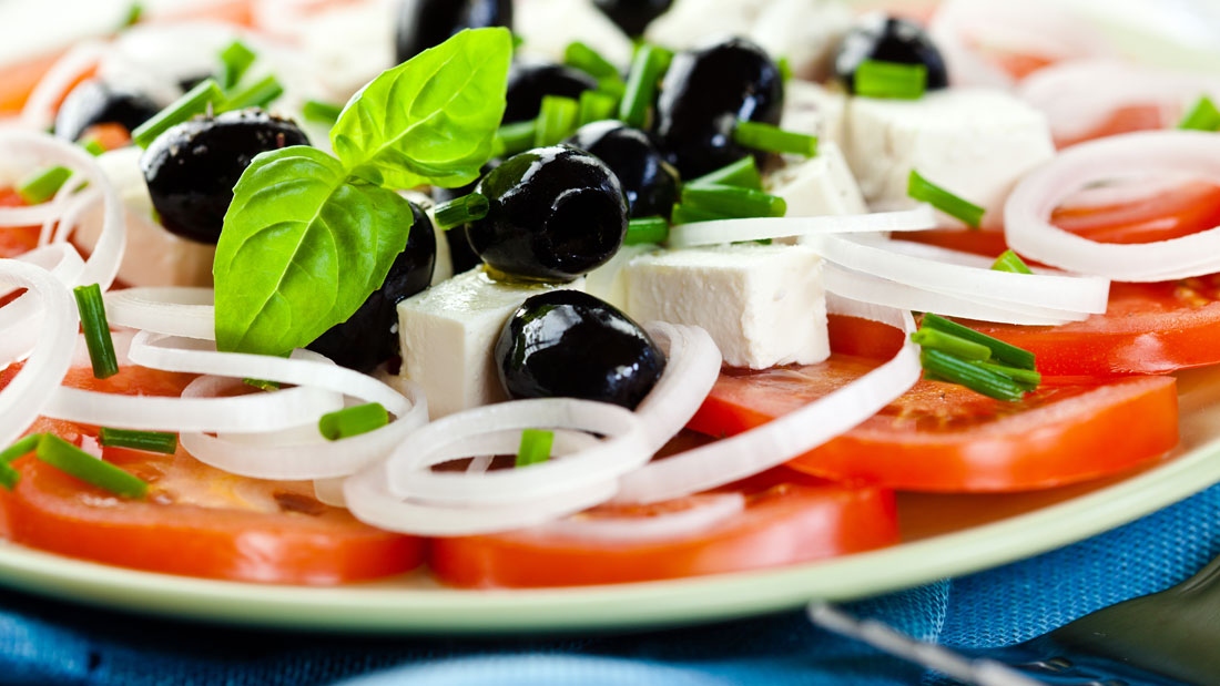 Goat-Cheese-and-Greens_80563282