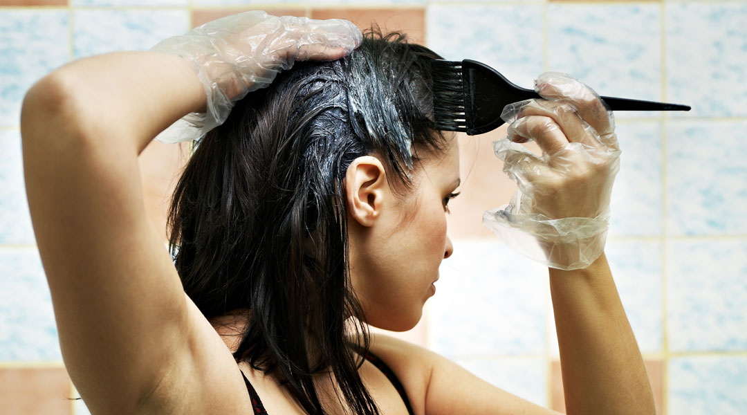 Natural-Solutions-To-Color-Your-Tresses_68711983