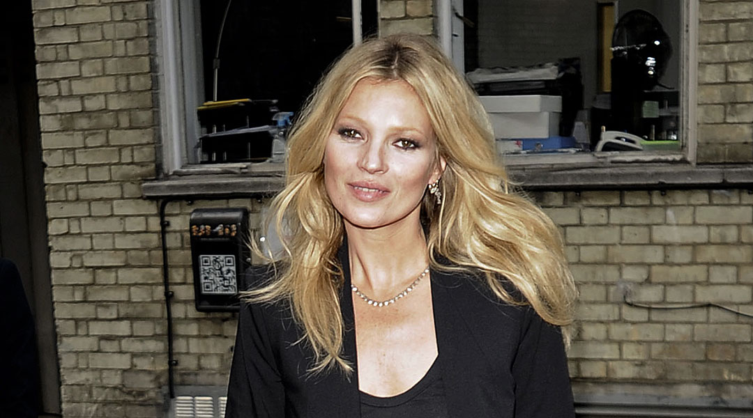 Save-Face-With-Kate-Moss'-Beauty-Tips_109671089