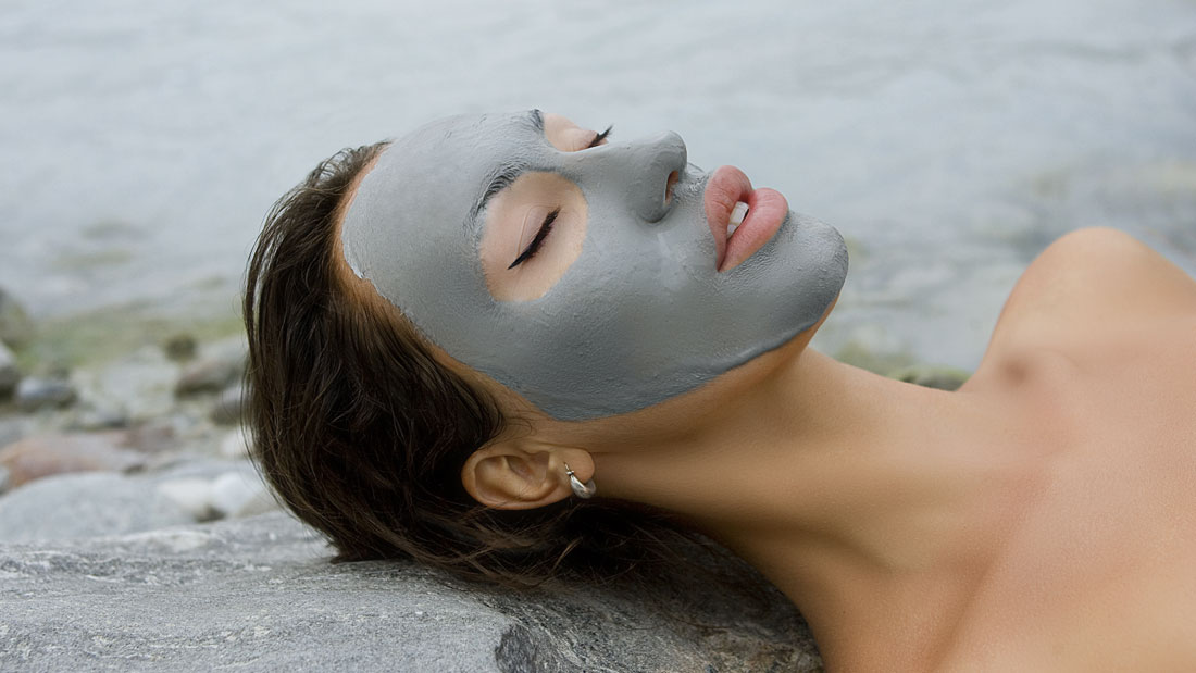 Almond-and-Blueberry-Face-Mask