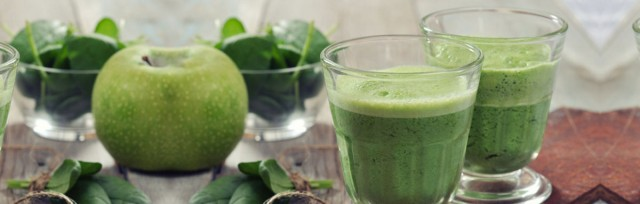 It's-Easy-Being-Green-Smoothie_162302630-TEXT