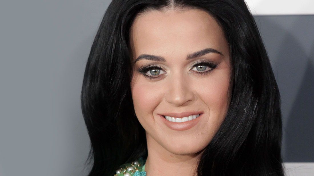 You-No-Longer-Have-To-Fake-Long-Eyelashes-Katy-Perry-_136598699