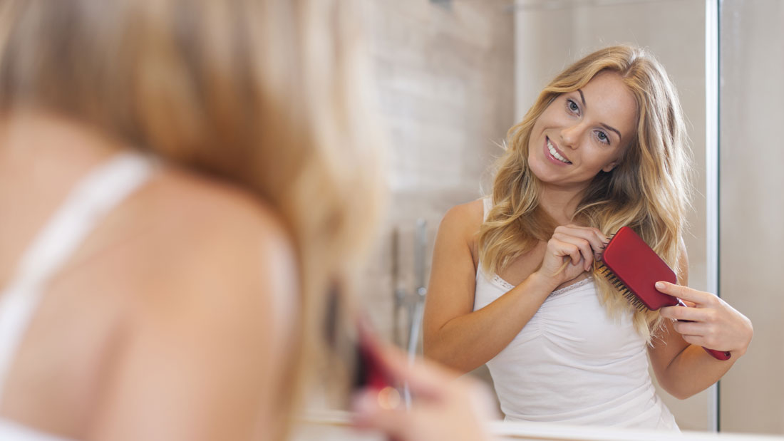 How-to-clean-your-hairbrush
