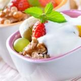 Yogurt-with-fruit-&-nuts