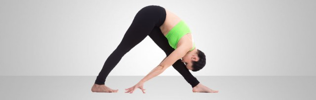 parsvottanasana-pose-with-resistance-bands