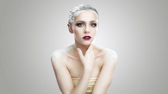 moisturize hair with mask