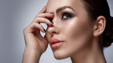 makeup-tips-to-hide-under-eye-bags