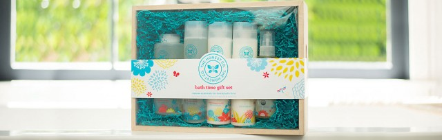 inside-pic-the-honest-company-gift-set