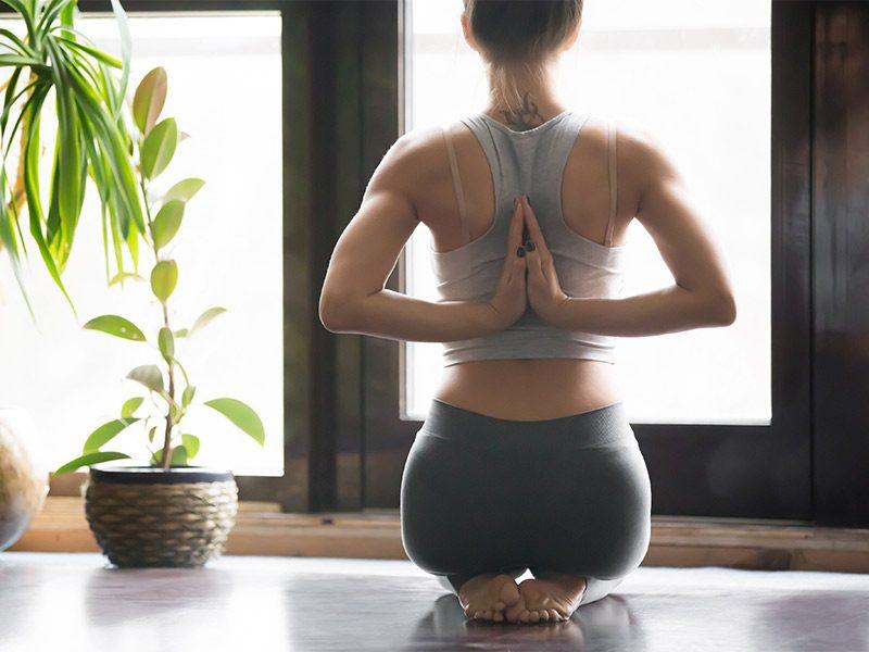 Yoga Poses: Thunderbolt Pose