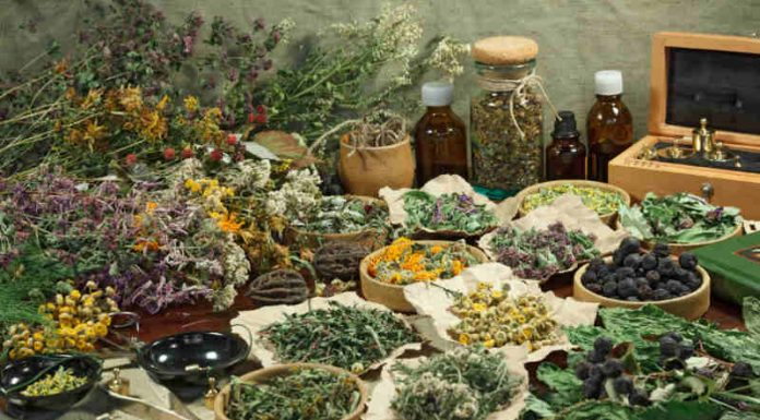 How to Make Your Own Tincture