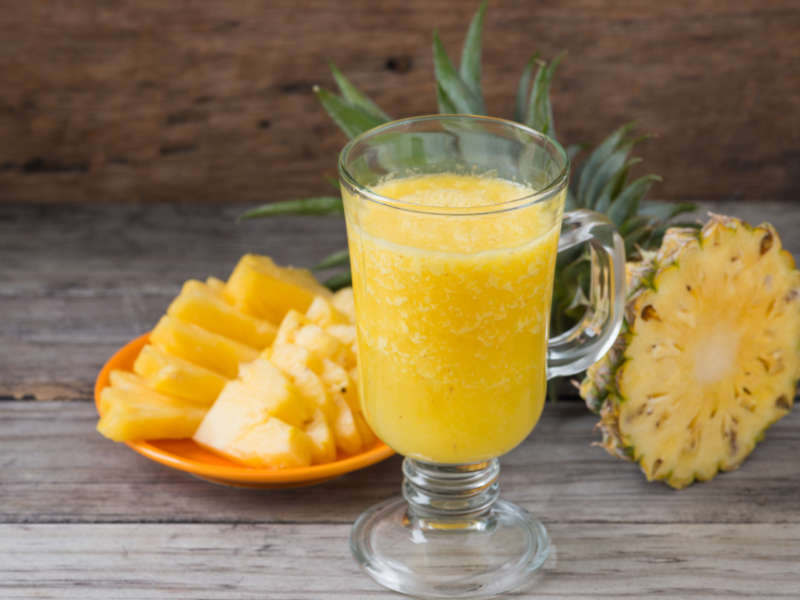 natural cough remedy glass of pineapple juice