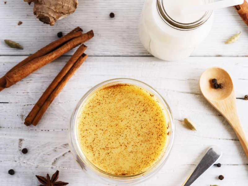 turmeric tea with added milk