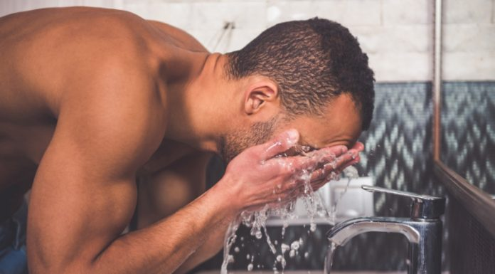 Oil Cleansing: Why You Should Wash Your Face With Oil Instead of Soap