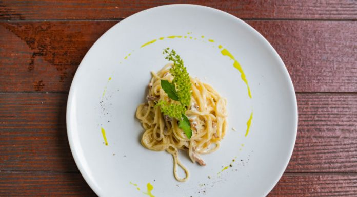 plate with cacio e pepe spaghetti