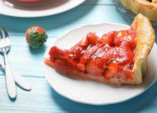 slice of sugar-free strawberry pie