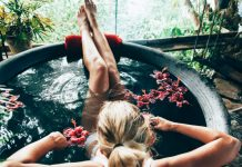 Detox Bath Recipes (DIY) to Naturally Rid You of Toxins