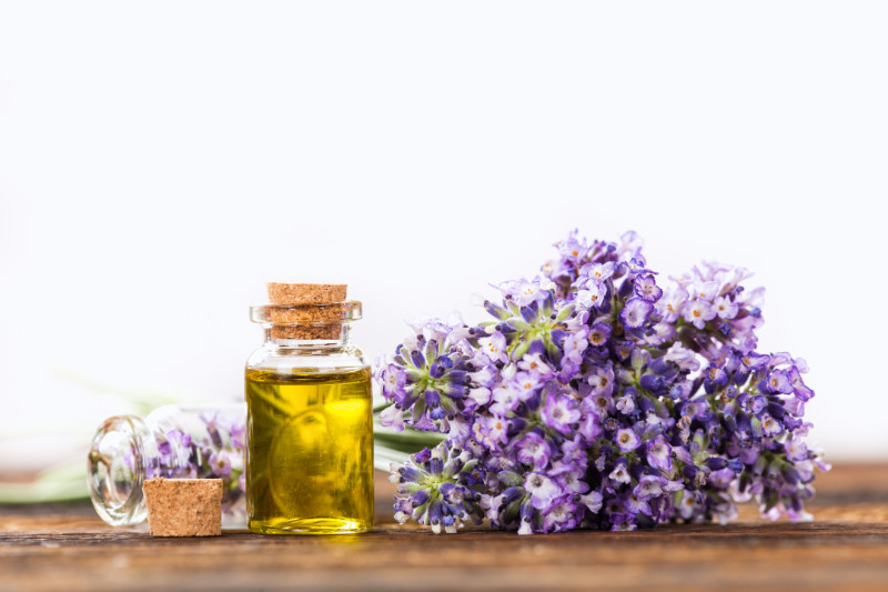 Uplifting Essential Oils To Help Lift You Up When You're Down