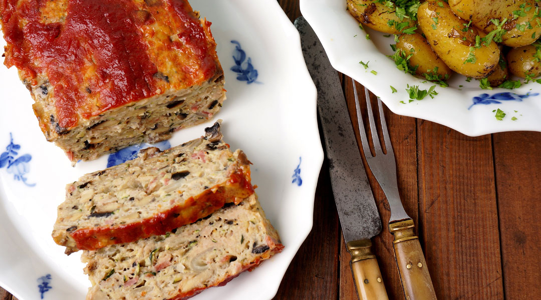 Low-Fat-Turkey-Meatloaf-with-Mashed-Kidney-Beans-