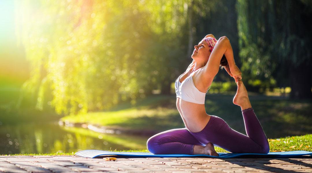 4-Simple-Yoga-Poses-To-Relieve-Allergic-Rhinitis