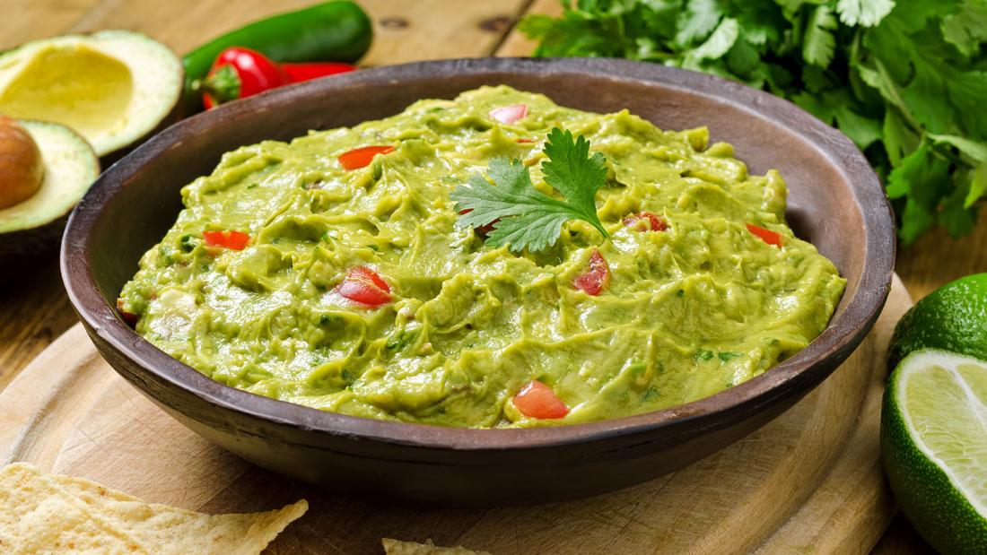 Green-Tomato-and-Avocado-Dip-(Guasacaca)_125126720