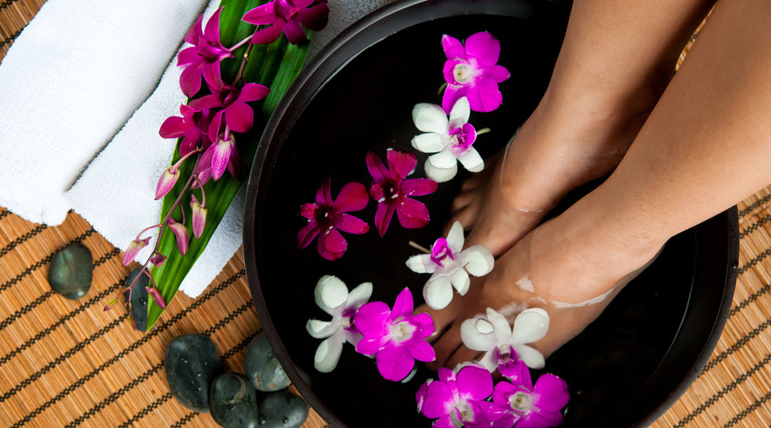 The-Perfect-At-Home-Spa-Treatment-For-Your-Tired-Feet
