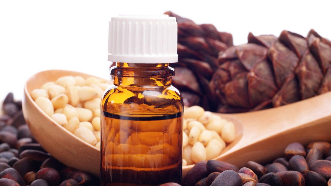 Antiviral-Essential-Oils_87034628