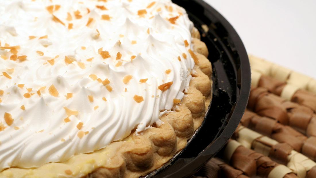 Coconut-Cream-Pie_3089750