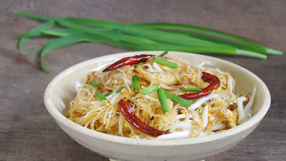 Coconut-Noodles-with-Tempeh_235600846