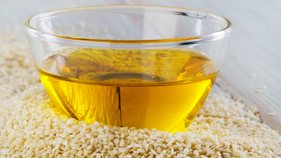 Hot-Sesame-Oil-Treatment-For-Muscle-Pain_162522125