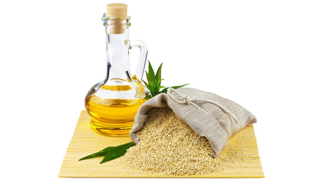 Mustard-Leaves-&-Sesame-Oil-For-Vata-Pain_129475490