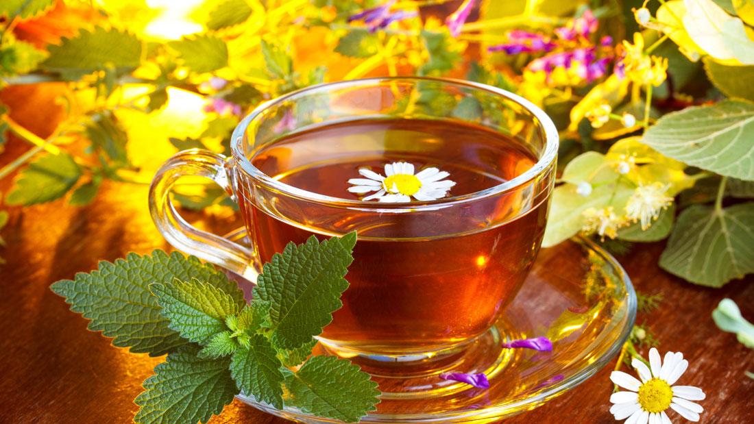 Healing-Herbal-teas_104203229