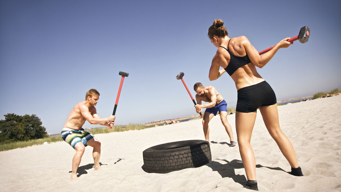 Transform-Your-Body-With-Sledgehammer-Training_153605267