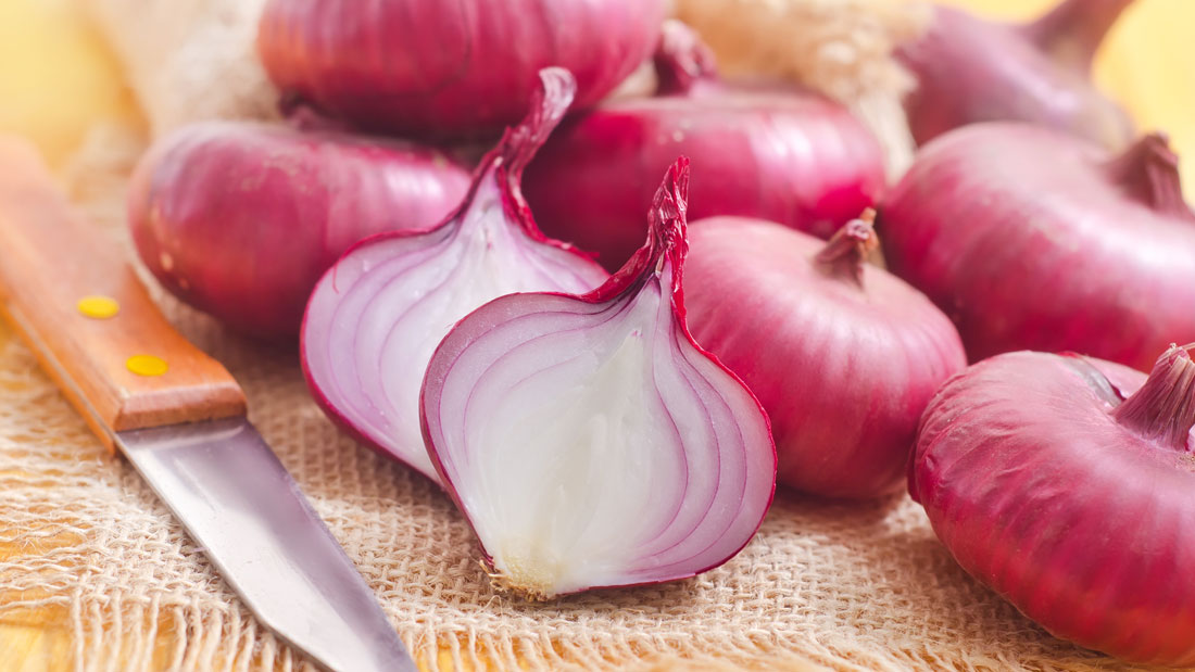 Quick-fix-to-chop-onions-without-shedding-tears
