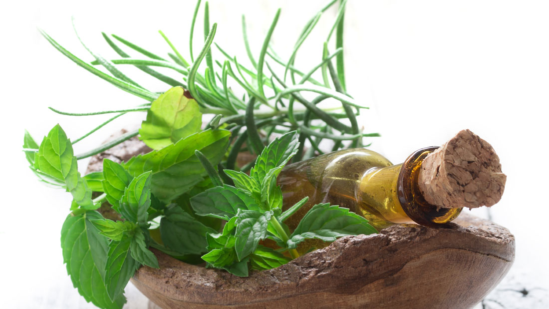 Soothing-jatamumsi-herbal-oil-massage