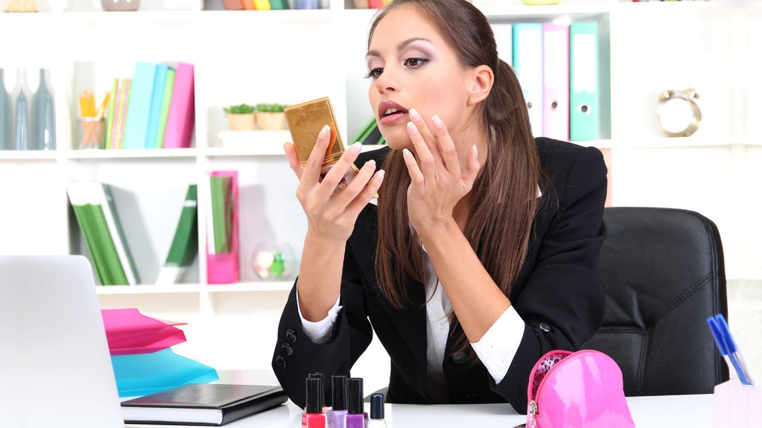 reapply sunscreen and not mess you makeup at work