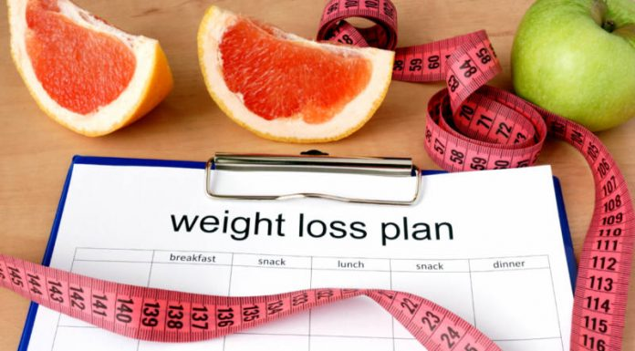 Diet & Fitness Experts Lay Down The Law For A Successful Weight-Loss Plan