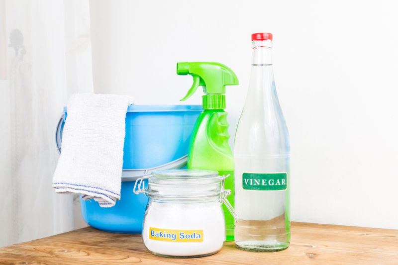 10 Vinegar Cleaning Hacks To Get Your Spring Started