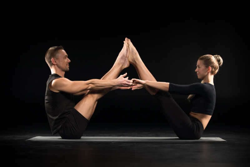 Couples Yoga 3 Easy Poses To Do With Your Partner Z Living