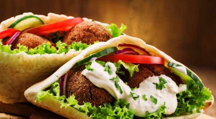 falafel inside pita bread