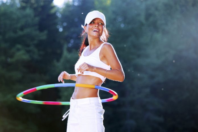 Why You Should Consider Hula Hooping Your Way To Fitness