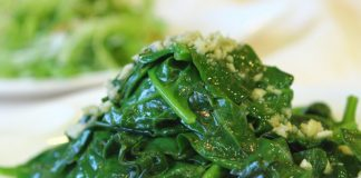 plate full of sautéed spinach