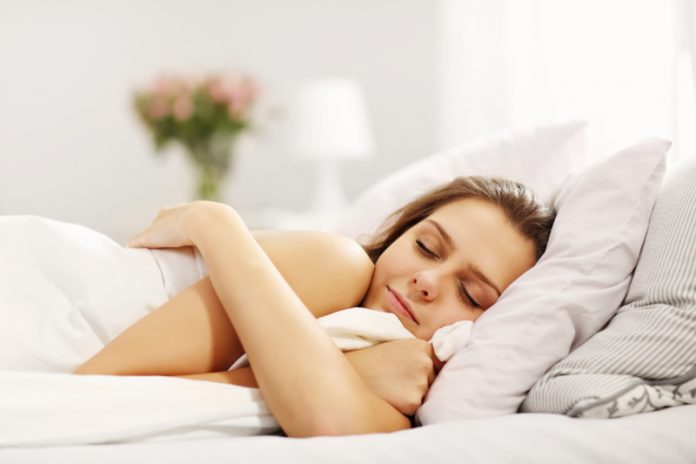 Bedtime Skincare Habits That Will Make You A Morning Person