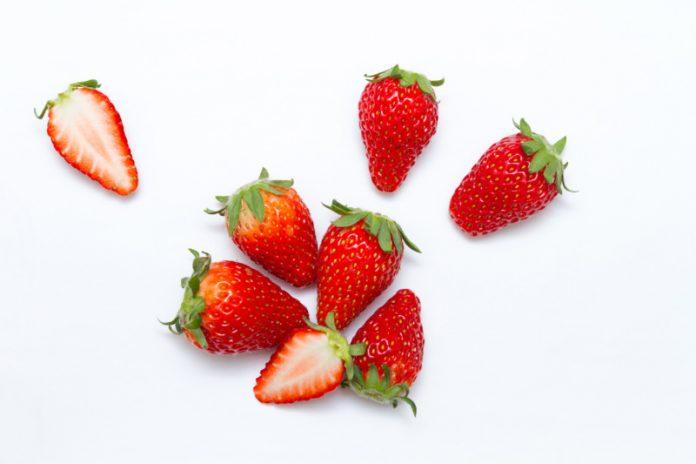 Berry Beautiful: DIYs For Clean & Clear Skin