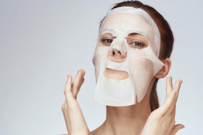 Face Masks: Celeb Go-Tos For The Oscars (& Some Natural Alternatives)
