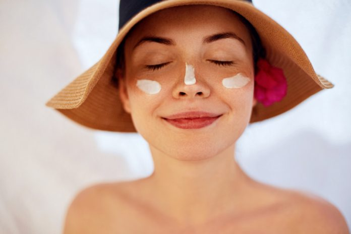 Make Your Own Screening Solution To Avoid Sun Damage