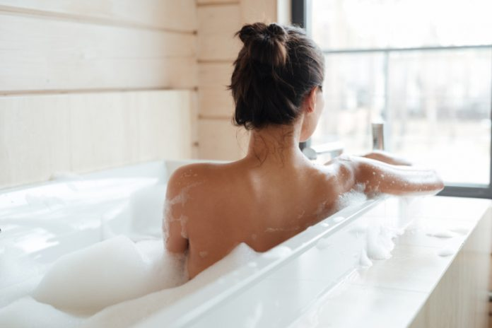 Soak & Snooze: 5 Detox Bath Ideas