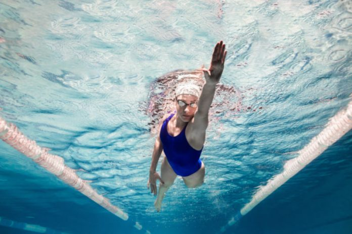 30-Minute Pool Workout to Burn Calories Fast