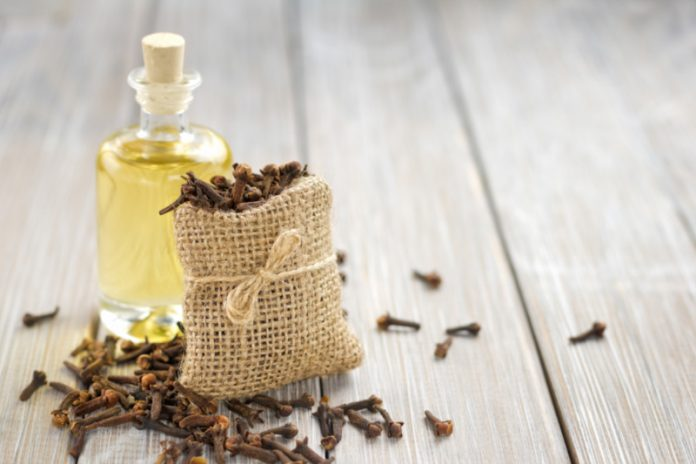 Clove Oil | Protect Yourself From Ulcers and Stimulate Digestion